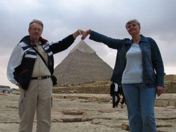 Kas sake kad piramides dideles