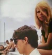 Bitlų šukuosenas sugalvojo Astrida Kircher
